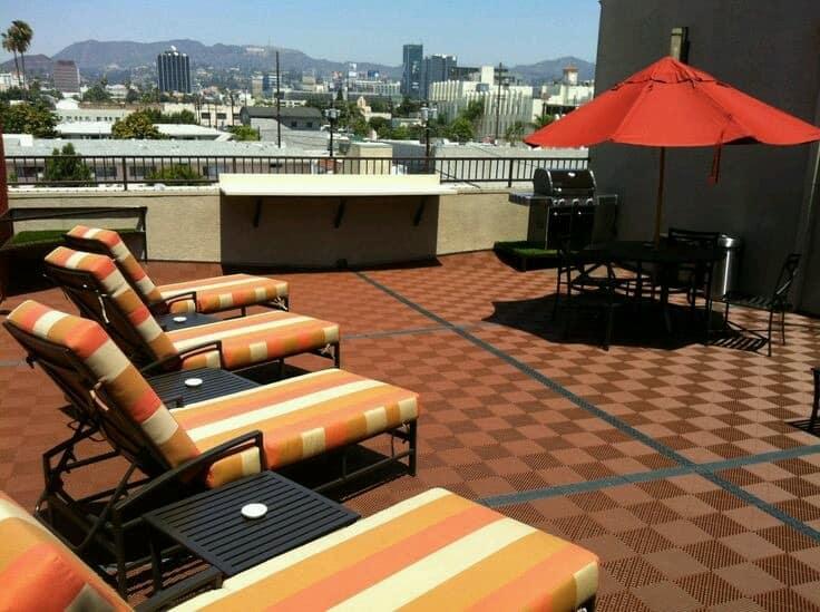 dalle de sol pour piscine nouveau rev tement de sol piscine. Black Bedroom Furniture Sets. Home Design Ideas