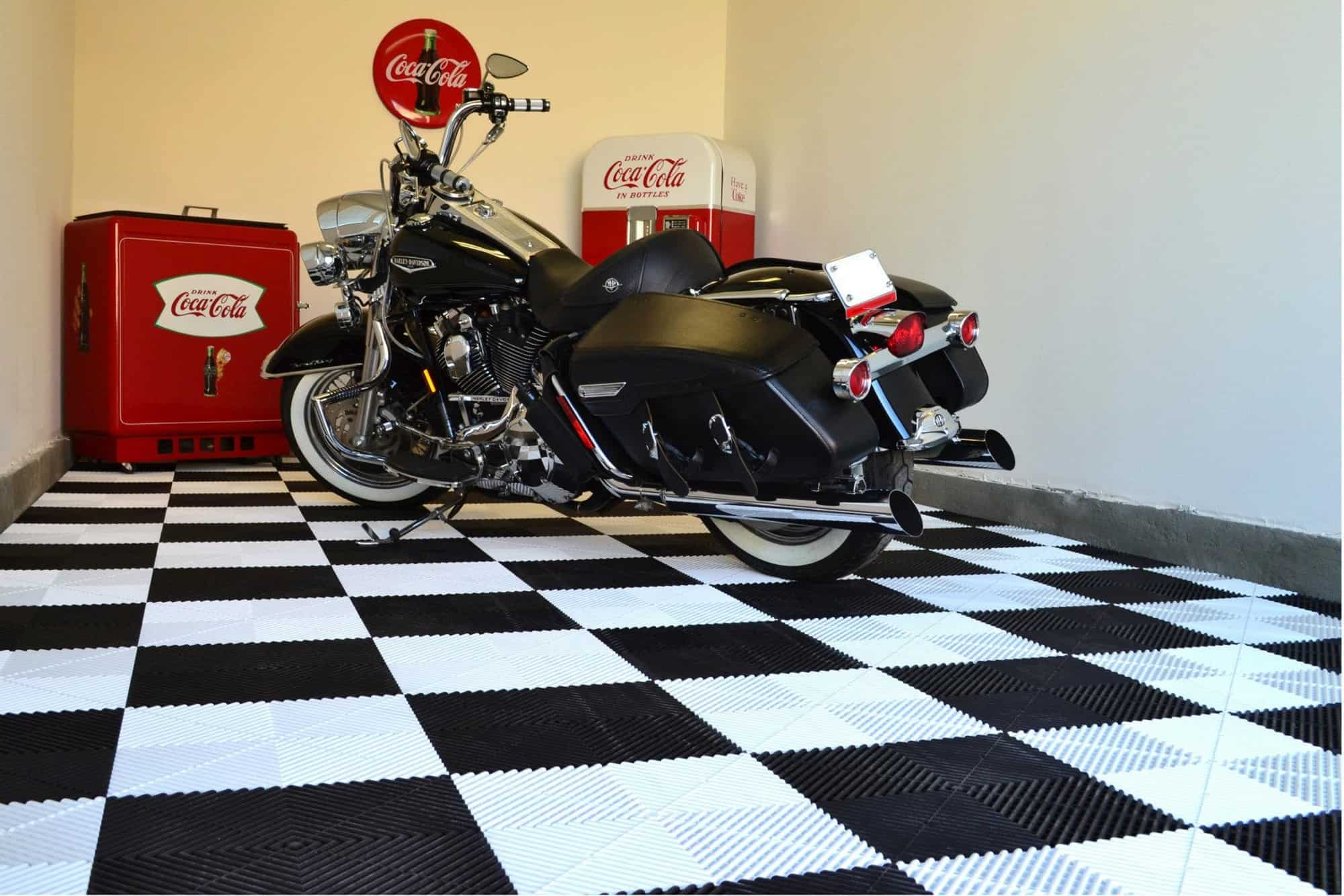 dalle de sol pour garage harley davidson un sol pour votre passion. Black Bedroom Furniture Sets. Home Design Ideas