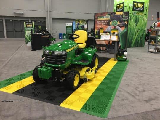 tapis-exposition-tracteur