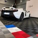 dalles pour showroom automobile