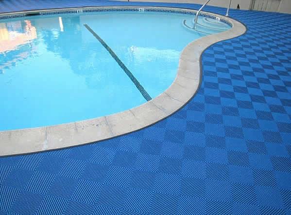 dalles de sol pour piscine et terrasse piscine sol pour piscine. Black Bedroom Furniture Sets. Home Design Ideas