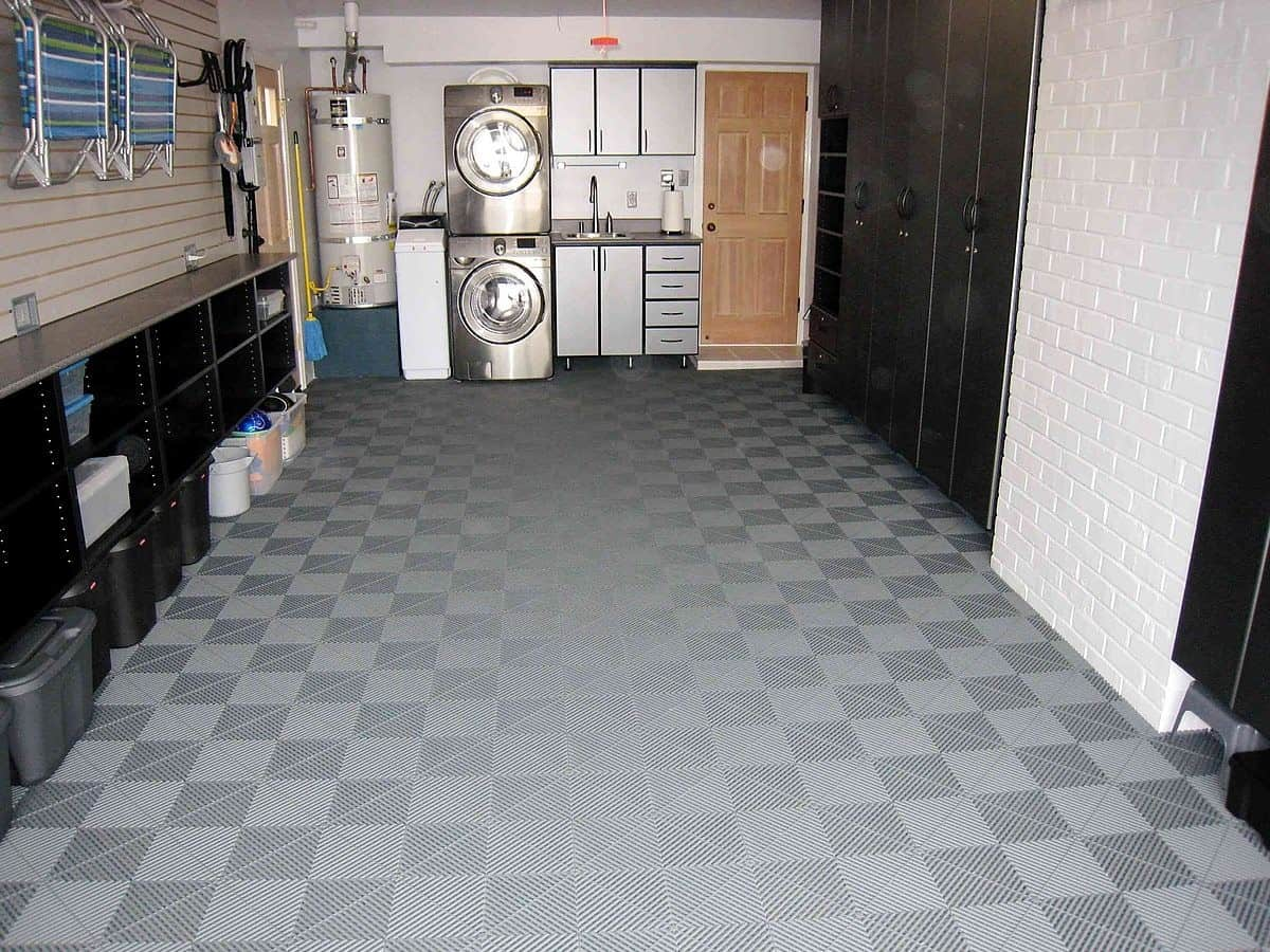 sol pour abris de jardin des dalles de sol clipsables pour votre sol. Black Bedroom Furniture Sets. Home Design Ideas